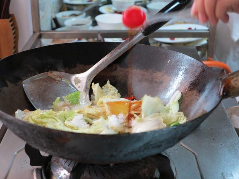 Stekt kinakål med chili