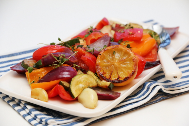 Karbonade med stekte grønnsaker, couscous og feta