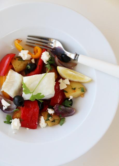 Torskeform med middelhavsgrønnsaker