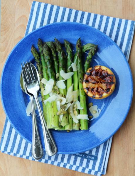 Asparges med sitron og parmesan