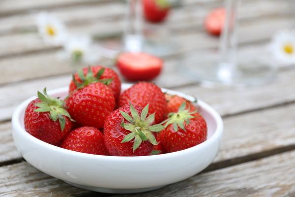 Vaniljeis og jordbær