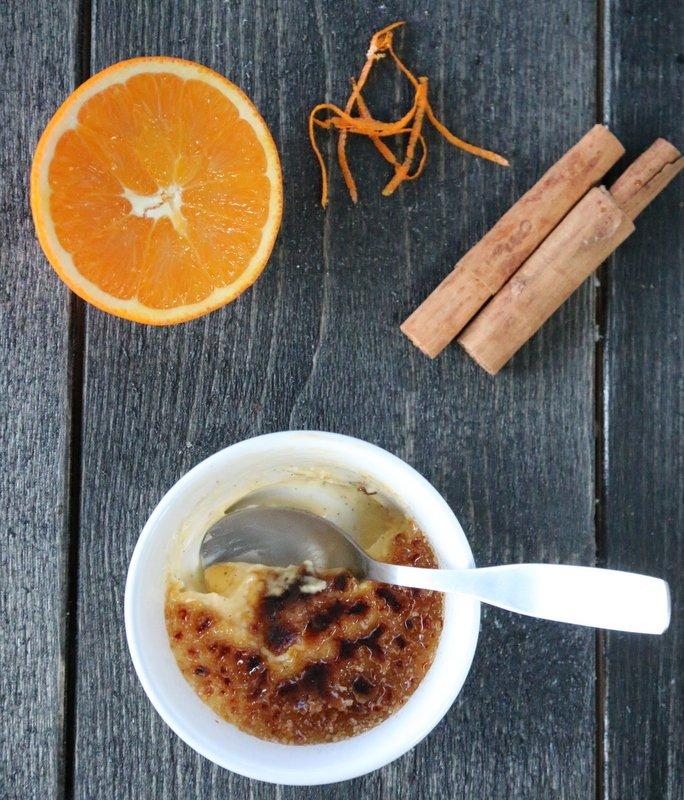 creme brûlée med appelsin og kanel