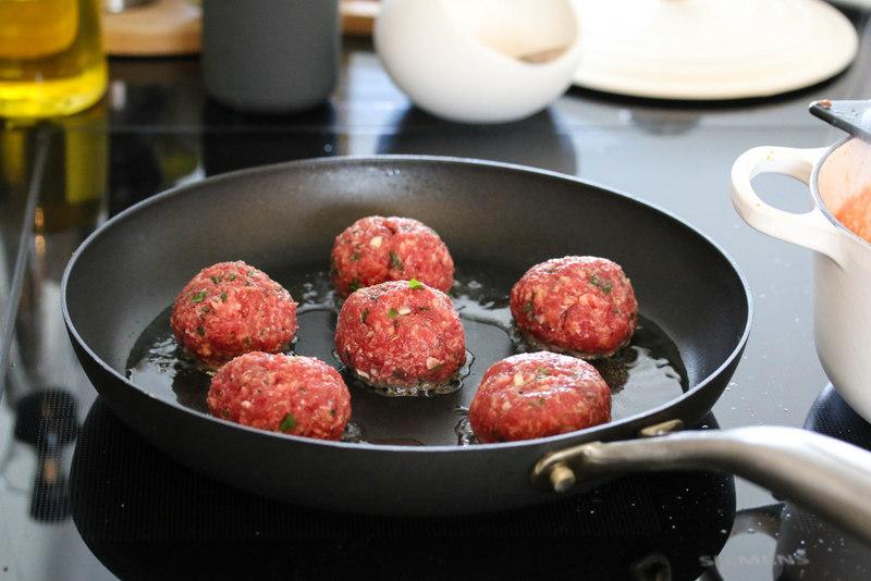 Italienske kjøttboller og tomatsaus