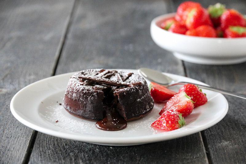 Sjokoladefondant med jordbær