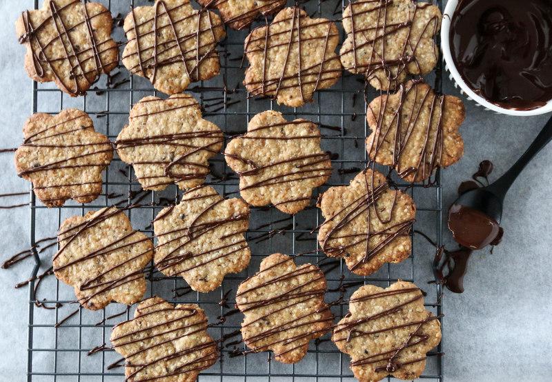 Havrekjeks med lakris og sjokolade