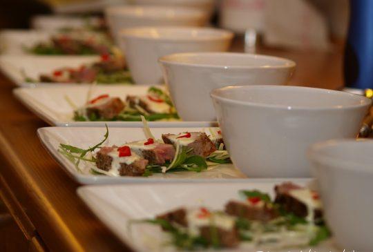 Image: Tunfisk med wasabi-crème og thaisuppe