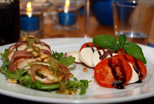 Image: Parmakylling med tomat- og mozzarellasalat
