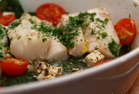 Image: Ovnsbakt torsk med spinat, fetaost og cherrytomater