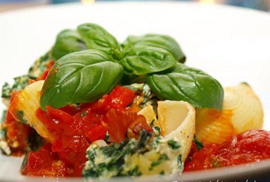 Image: Fylte pastaskjell med spinat, ricotta og parmaskinke