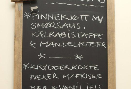 Image: Pinnekjøtt og krydderkokte pærer