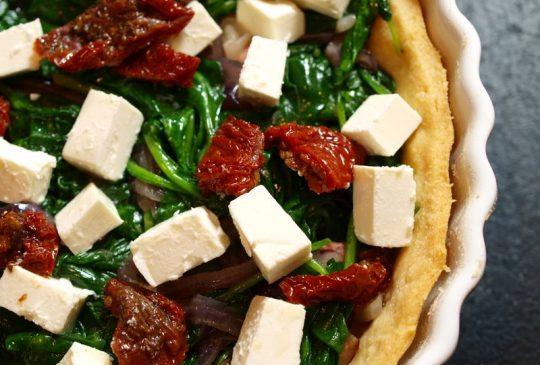Image: Spinatpai med soltørket tomat og feta