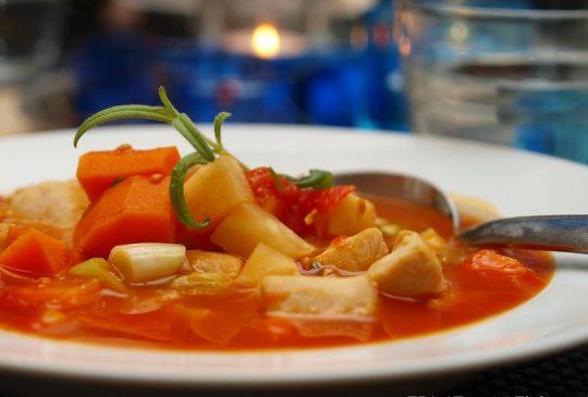 Image: Kyllingsuppe med rotgrønnsaker og chili