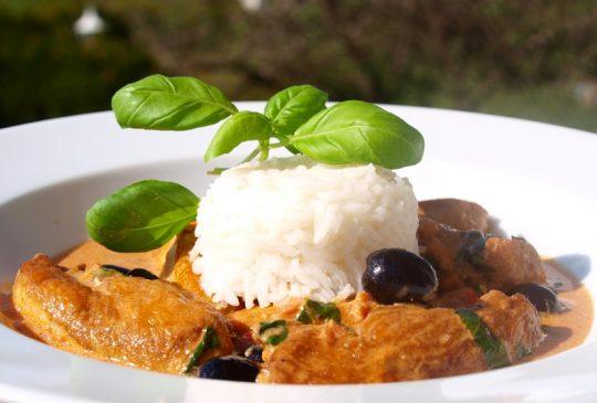 Image: Kyllinggryte med paprika og oliven