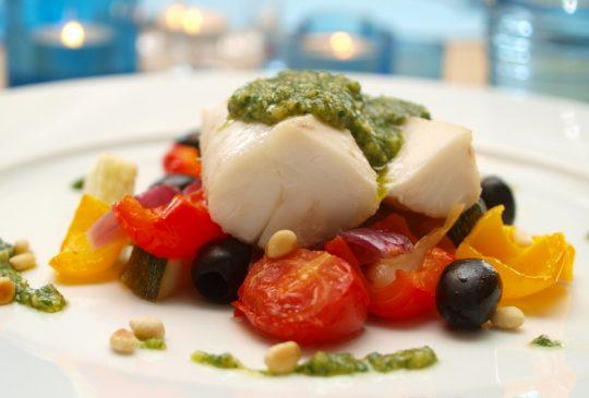 Image: Torsk med sitronbakte grønnsaker og basilikumpesto