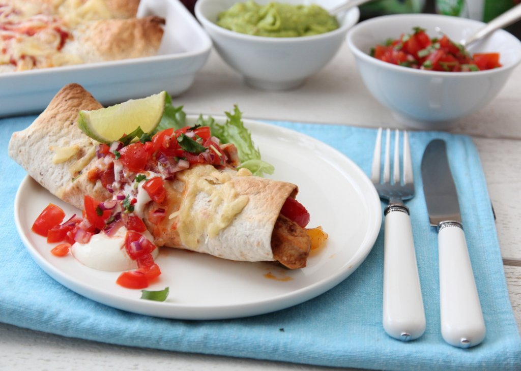 Enchiladas med kylling og tomat- og chilisalsa