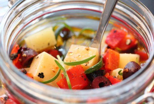 Image: Marinert manchego med paprika og oliven