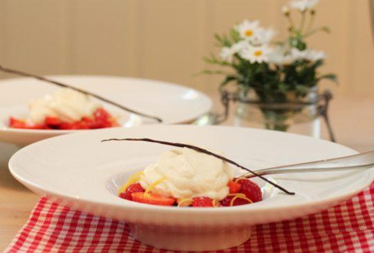 Image: Sitronmarinerte jordbær med mascarponekrem