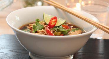 Image: Kjapp nudelsuppe med kylling og chili