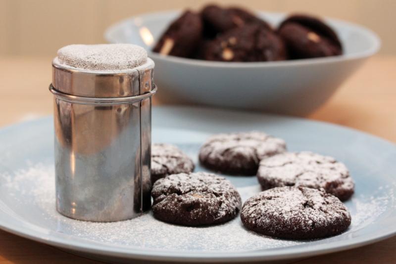 Mørke sjokoladekjeks med hvit sjokolade