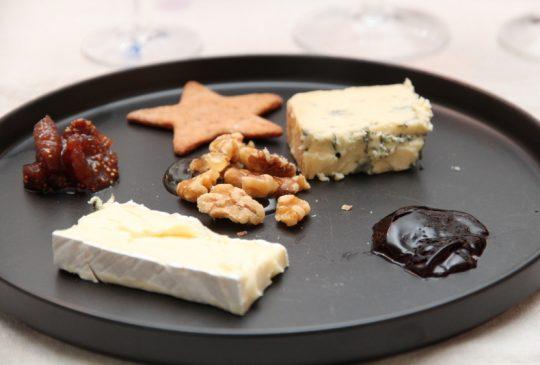 Image: Osteanretning med Blåmandag og godt tilbehør