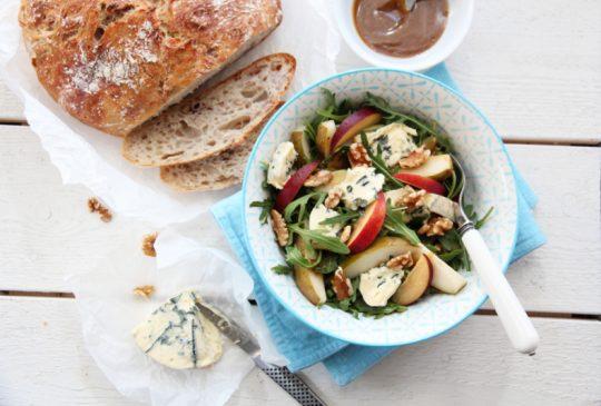 Image: Salat med ruccula, pærer, blåmuggost og valnøtter