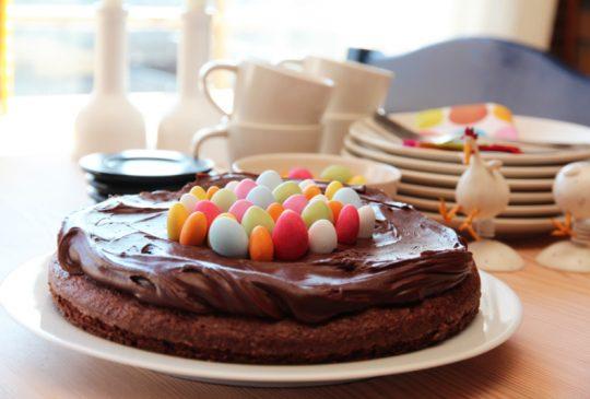 Image: Sjokoladekake med påskeegg