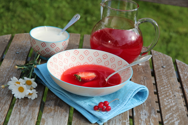 Jordbær- og ripssuppe