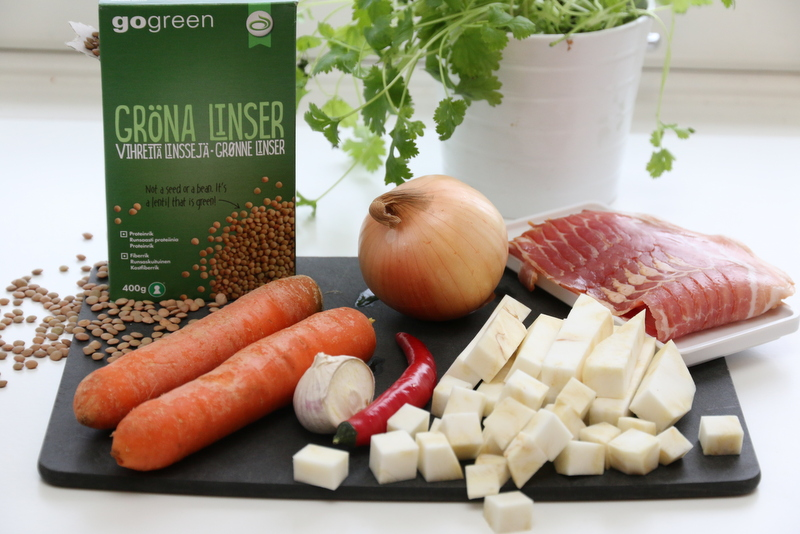 Linsesuppe med rotgrønnsaker og bacon