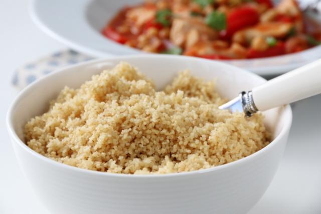 Kyllinggryte med kikerter og couscous