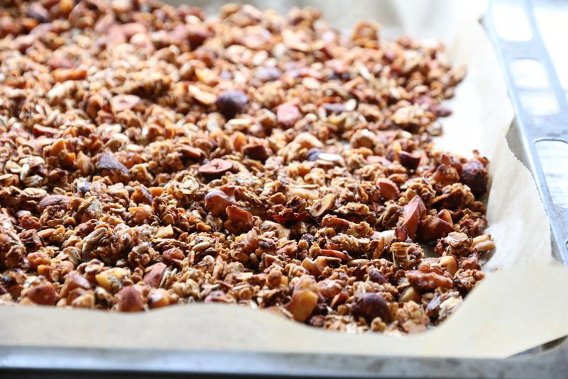 Granola med nøtter og honning
