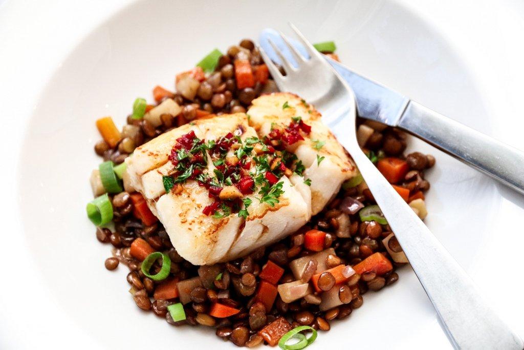 Pannesstekt torsk med spicy soyasmør og linser