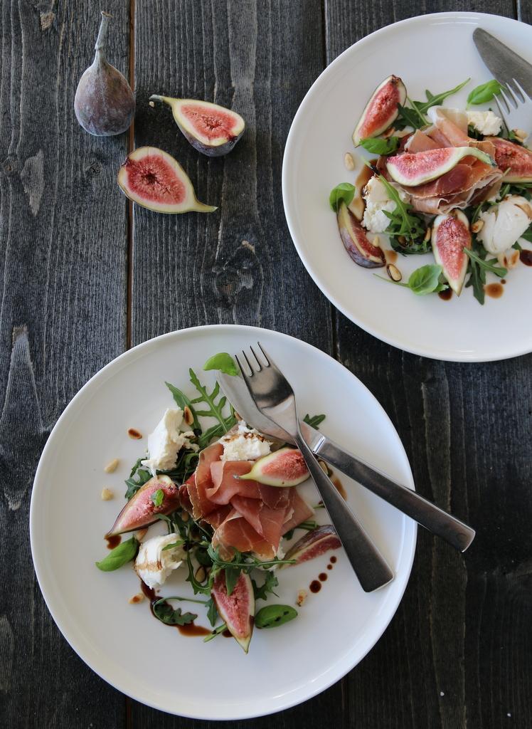 Salat med Tind spekeskinke, fiken og mozzarella
