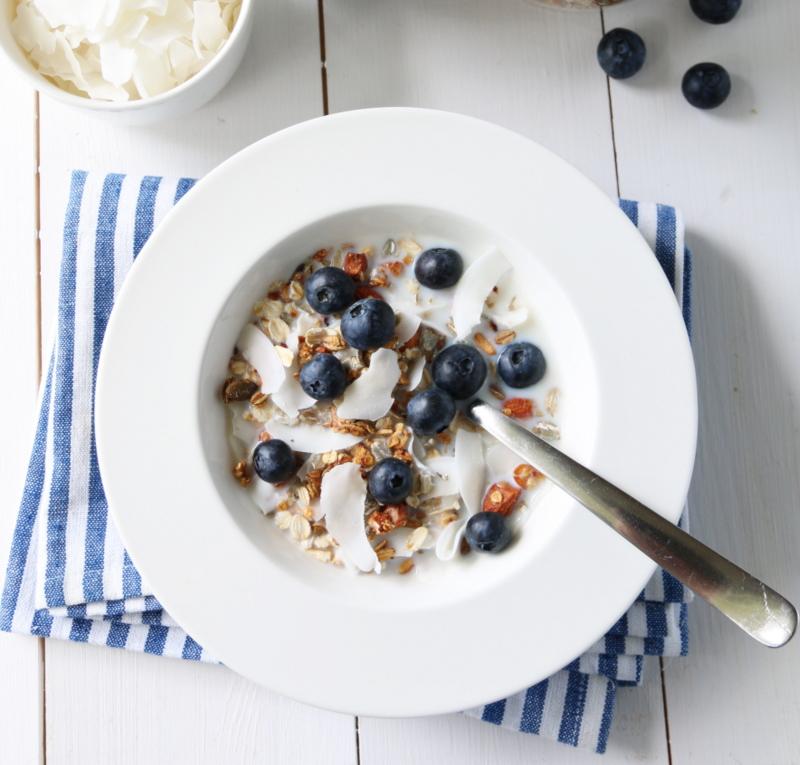 Granola med kokos og blåbær