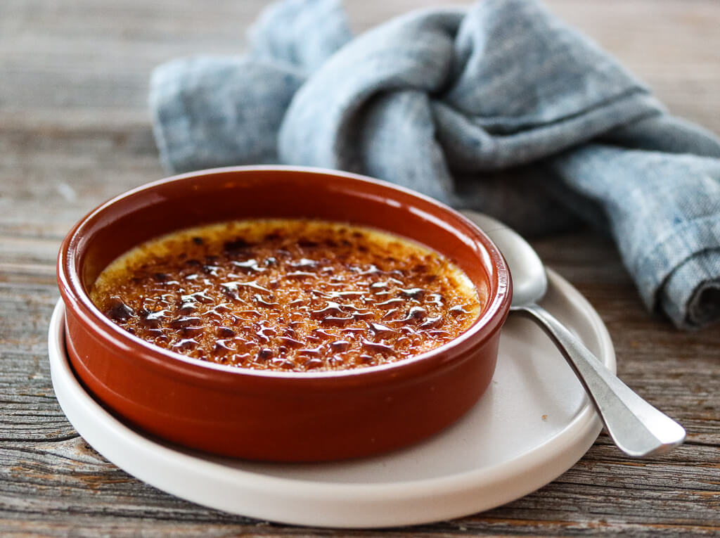 Creme brulee med appelsin og kanel