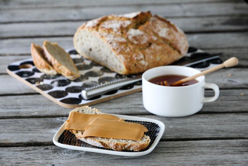 Eltefritt brød med bygg