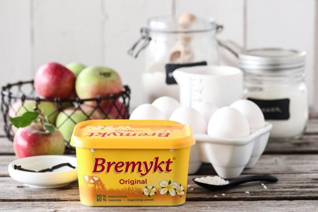 Eplekake med vaniljekrem Bremykt