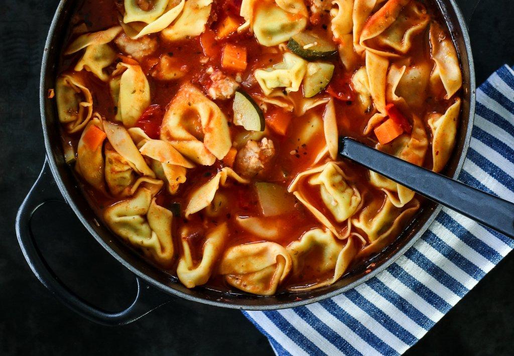 One pot med salsiccia og tortellini