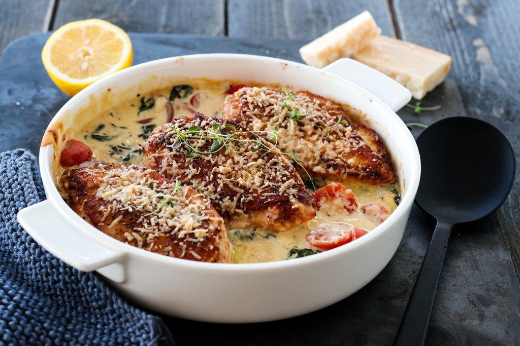 Gratinert kylling med spinat og parmesan