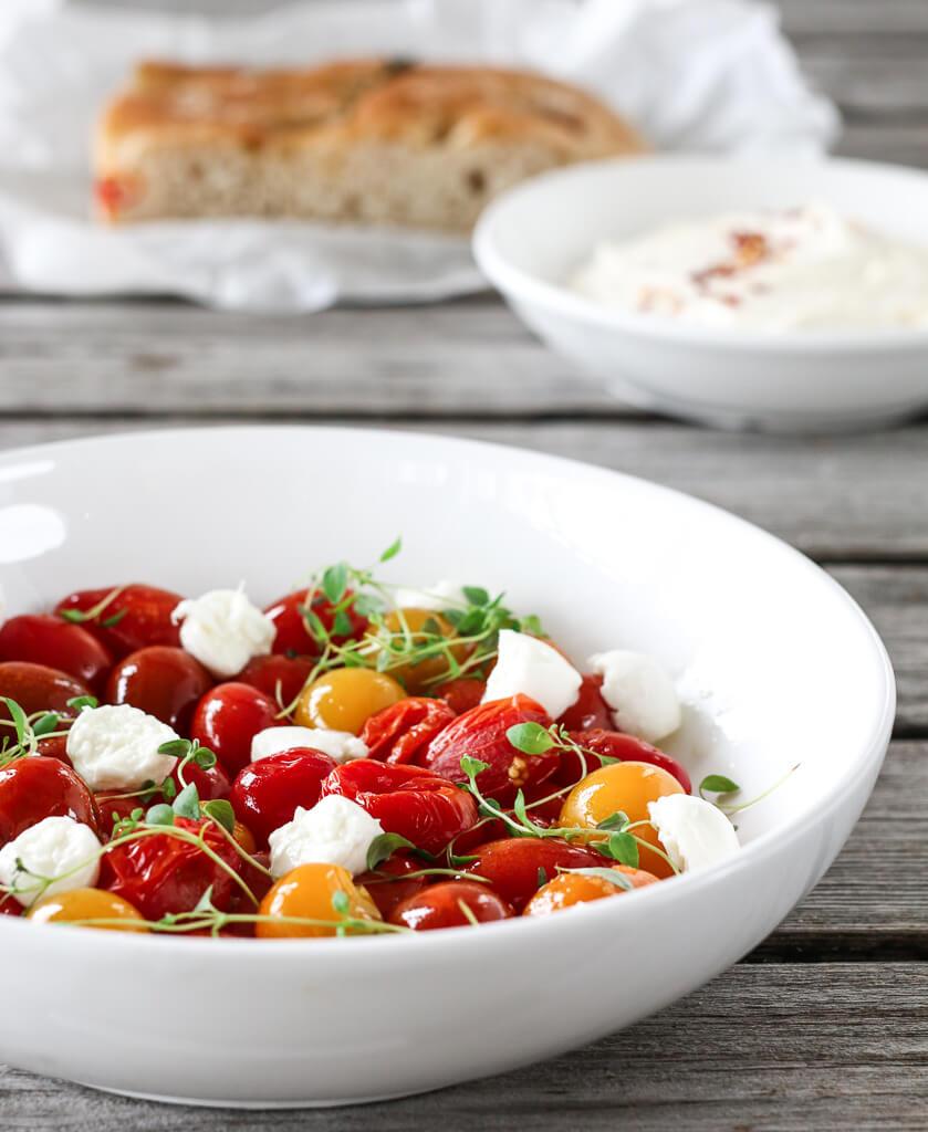 Lun tomatsalat med mozzarella