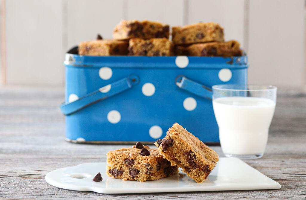Cookiebars med sjokolade og peanøtter