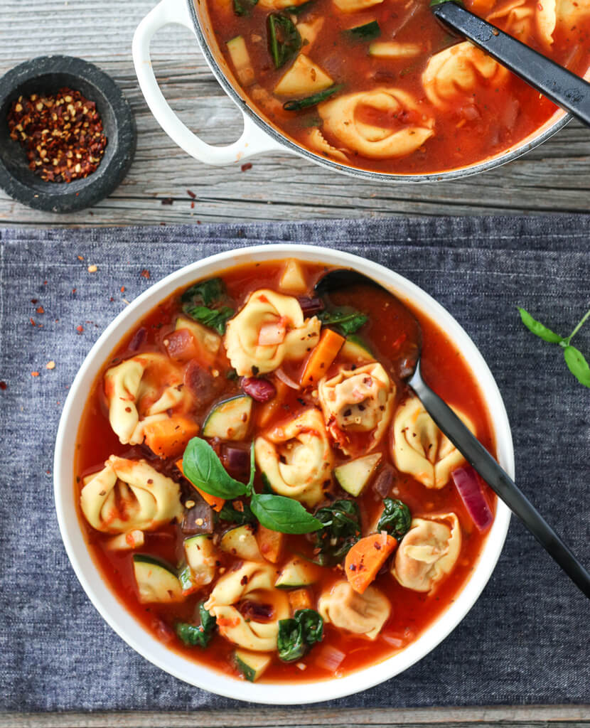 MINESTRONESUPPE MED TORTELLONI
