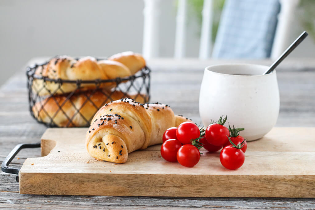 Horn med skinke, ost og rød pesto