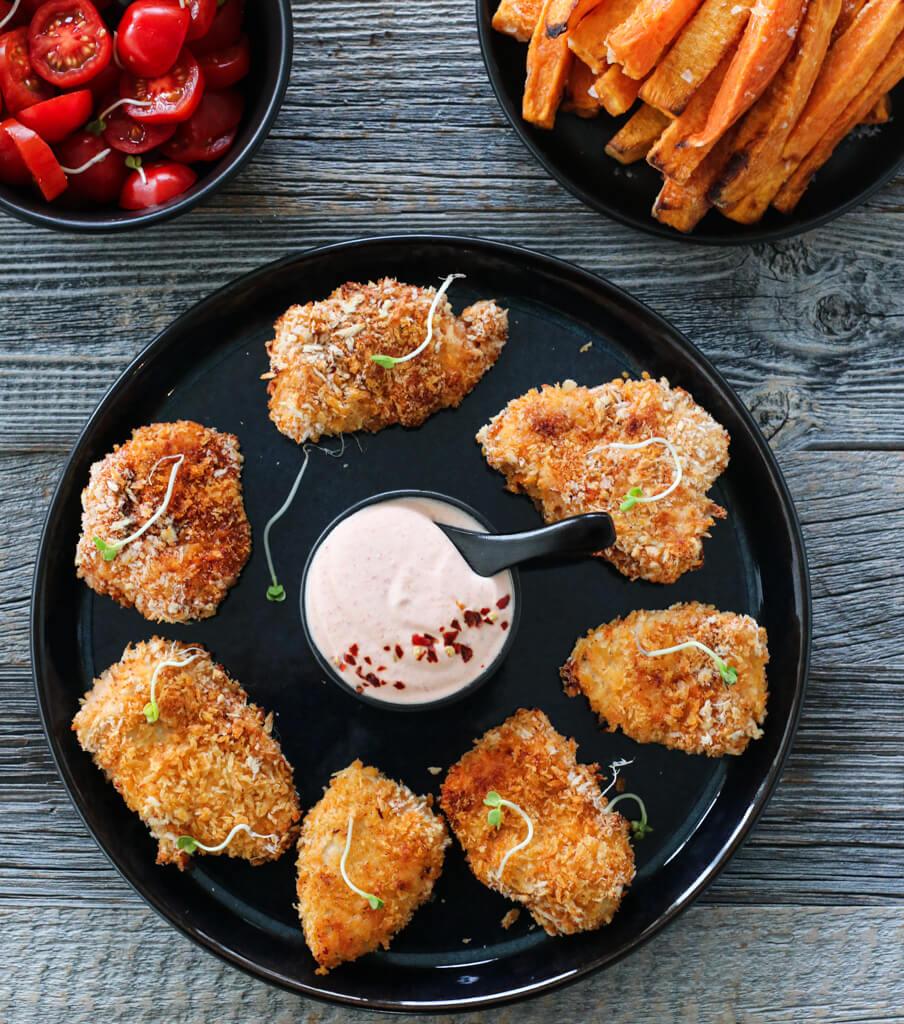 Panert kylling med søtpotetfries