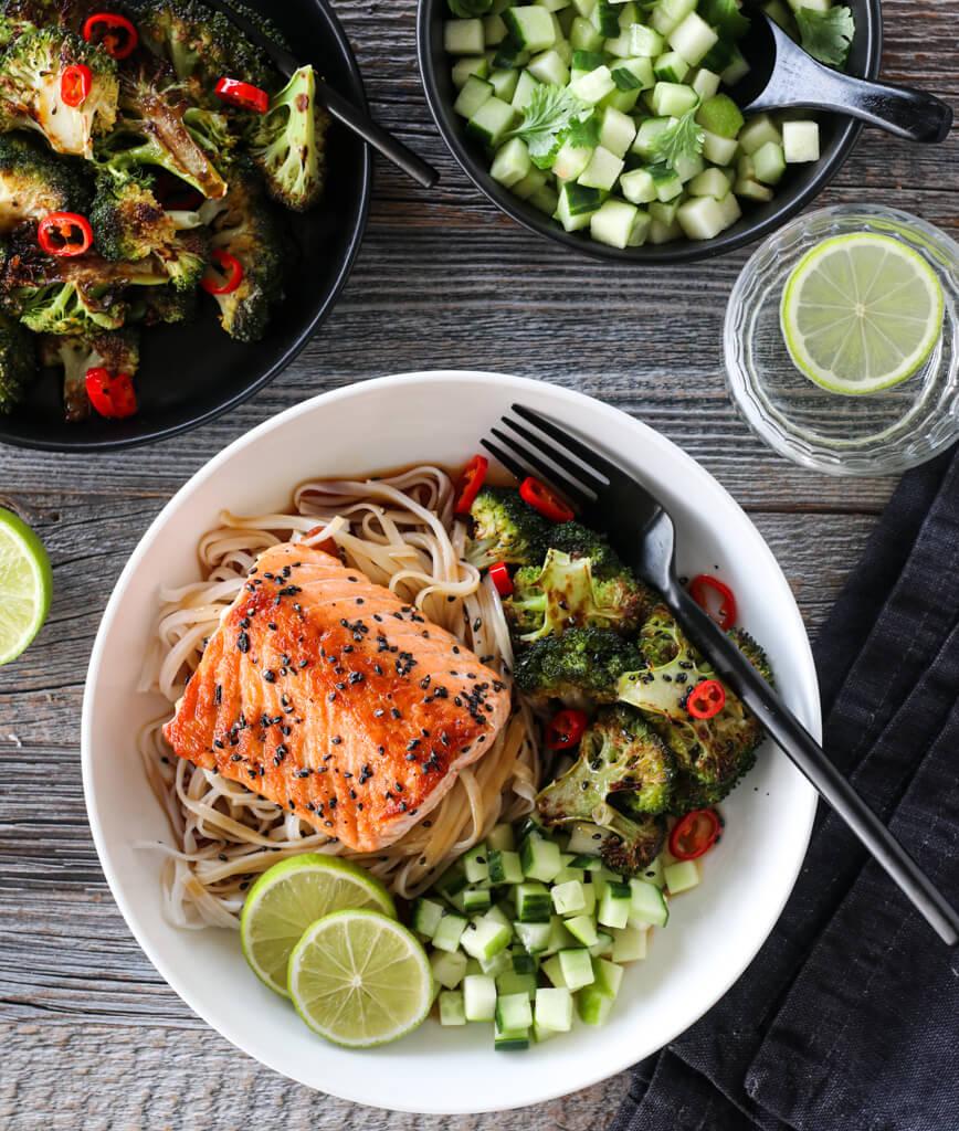 Laks med spicy brokkoli og ponzusaus