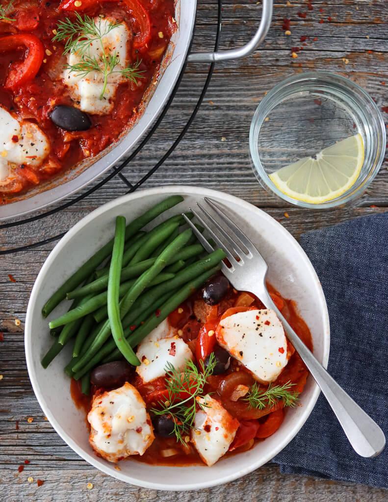 Torskeform med tomat, paprika og fennikel
