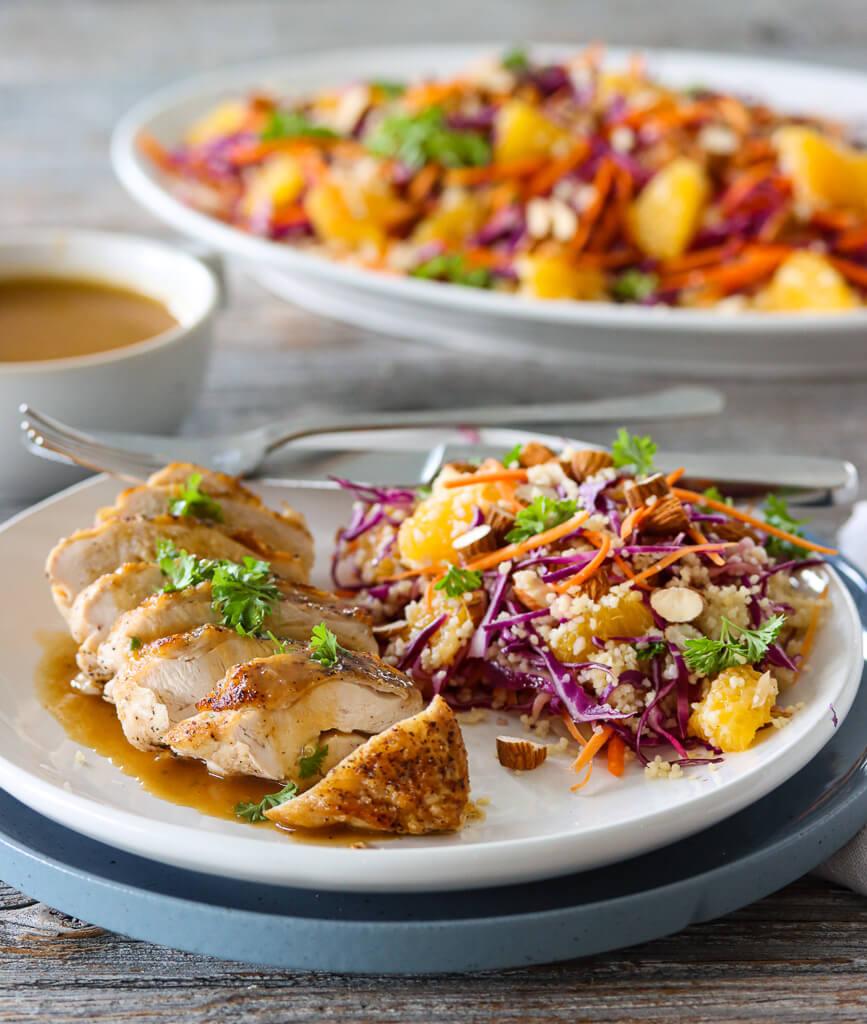 Kylling med appelsinsaus og fargerik couscoussalat