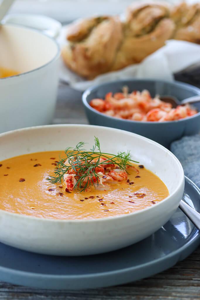 Suppe med gulrot, fennikel og krepsehaler